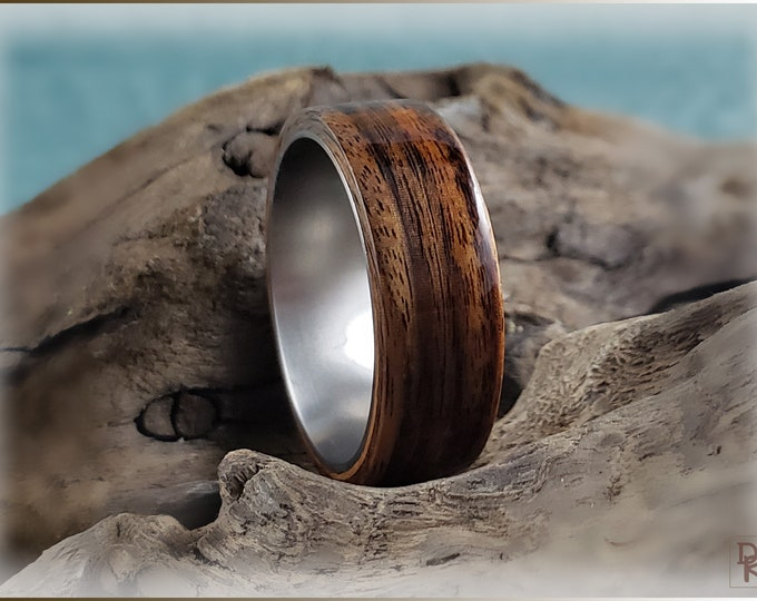 Bentwood Ring - Santos Rosewood on titanium ring core