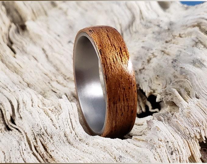 Bentwood Ring - Okoume on titanium core