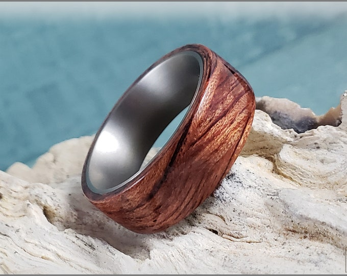 Bentwood Ring - Waterfall Bubinga on titanium ring core