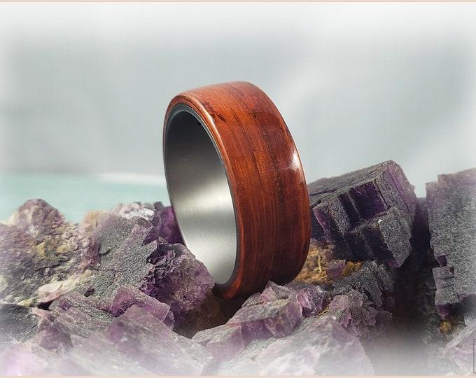 Bentwood Ring - Padauk on titanium core