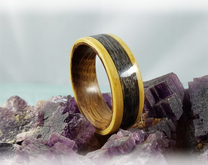 Bentwood Ring - Golden Curly Movingui w/Harborica Wood inlay on Whisky Barrel ring core