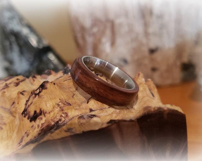 Bentwood Ring - Indian Rosewood on titanium ring core