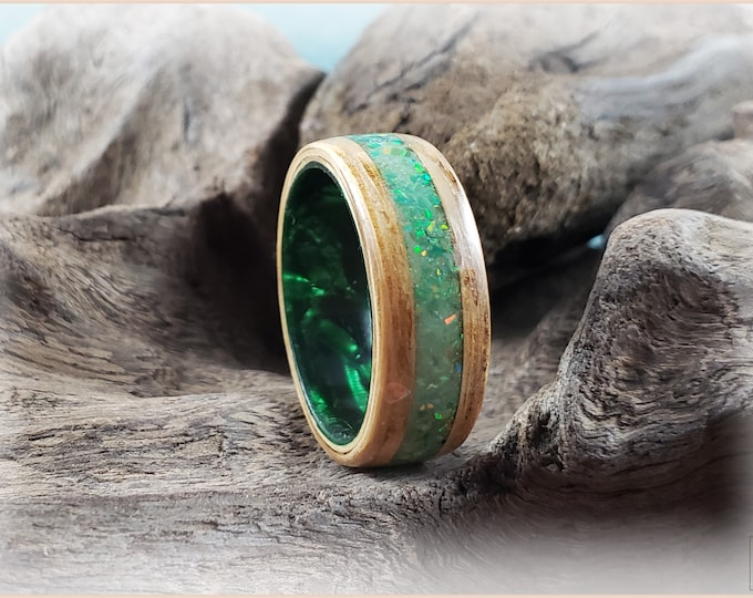 Bentwood Ring - Flaky White Oak w/Opal and Glow mix inlay, on Emerald Shimmer Celluloid core