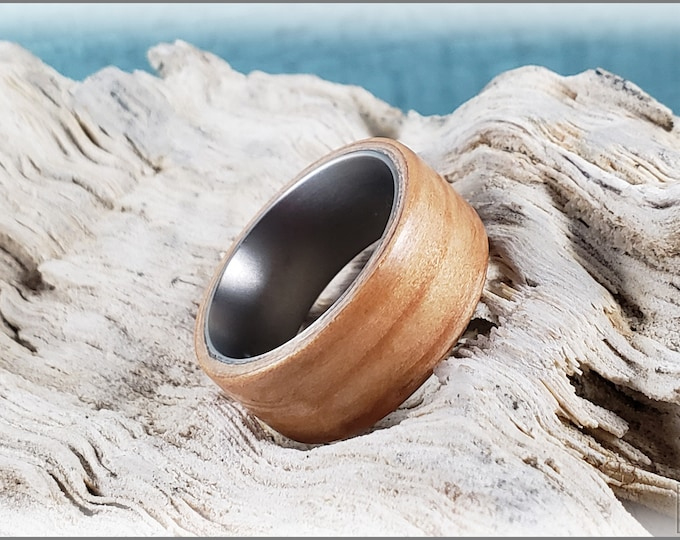 Bentwood Ring - European Larch on titanium ring core