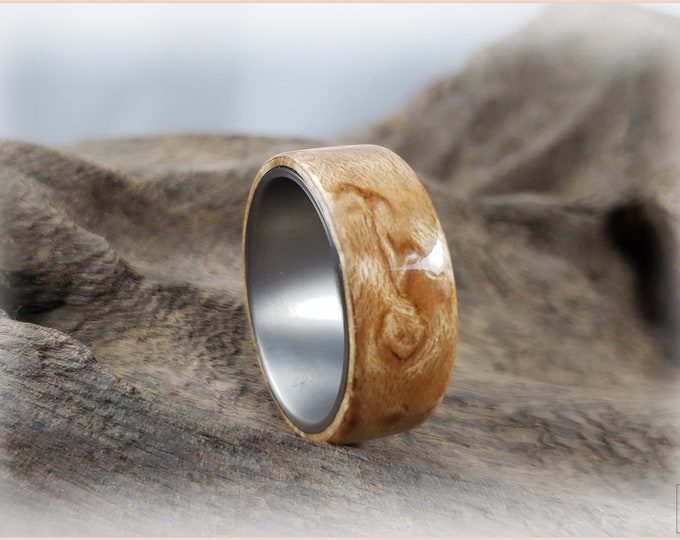 Bentwood Ring - Birdseye Maple on titanium ring core