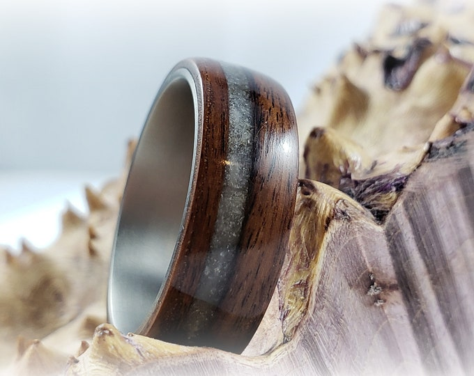 Bentwood Ring - Santos Rosewood w/offset Rose Quartz inlay, titanium ring core.