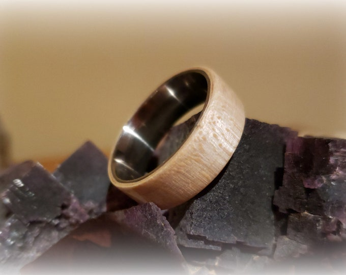 Bentwood Ring - Figured Sycamore on titanium ring core