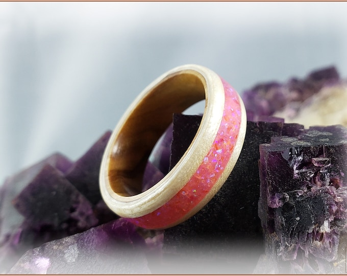 Bentwood Ring - Fiddleback Sycamore w/Pink Sugar Opal inlay, on Olivewood ring core