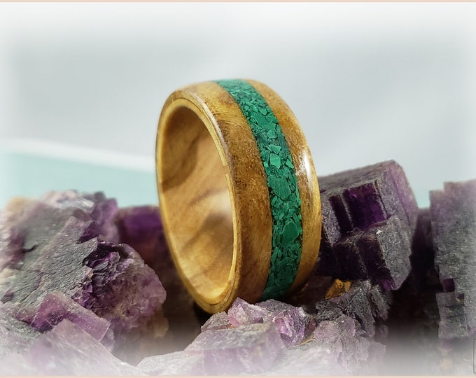 Bentwood Ring - Chestnut Burl w/Green Malachite stone inlay, on Olivewood ring core