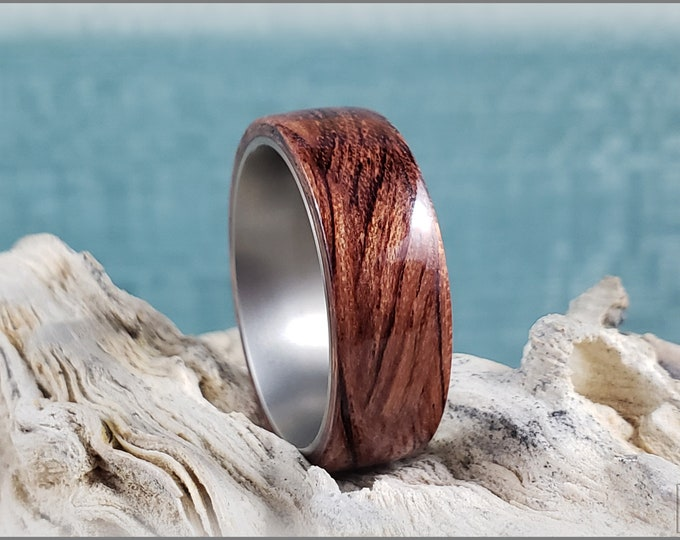 Bentwood Ring - Waterfall Bubinga on titanium ring core - Wood Ring