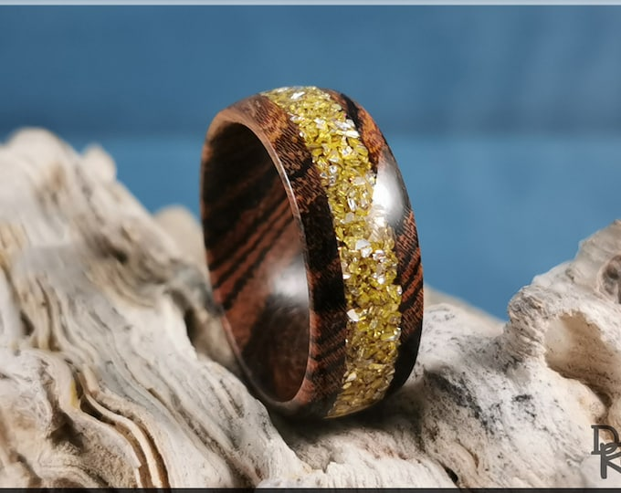 Tiger Bocote 8mm Wood Ring w/Crushed Gold Glass inlay