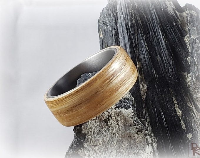 Bentwood Ring - Olive Ash - titanium ring core.