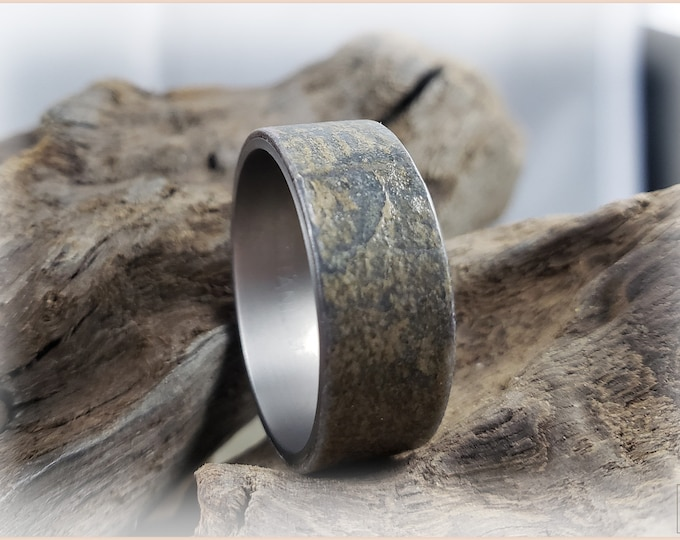 Bentwood Ring - Genuine 'Irish Mist' Slate on titanium ring core