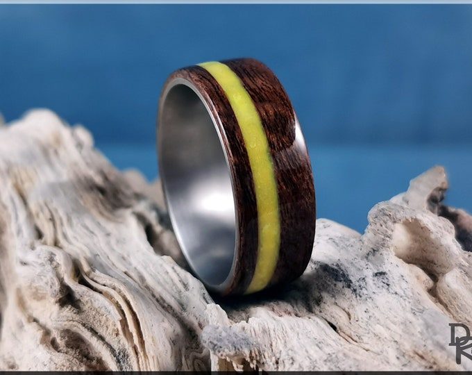 Bentwood Ring - Imbuya Pomelle Burl w/offset Pineapple Yellow Glow inlay, on Titanium ring core