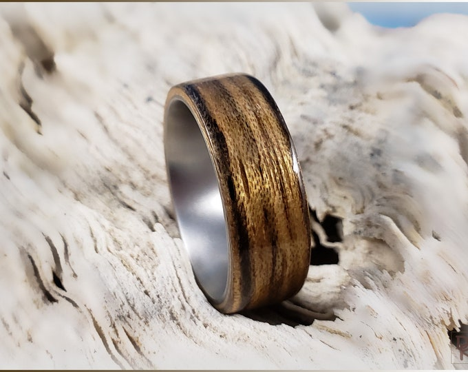 Bentwood Ring - Paldao Wood on titanium ring core