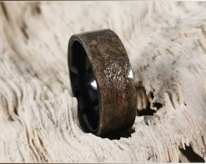 Bentwood Ring - Genuine 'Autumn Sky' Slate on polished black ceramic ring core