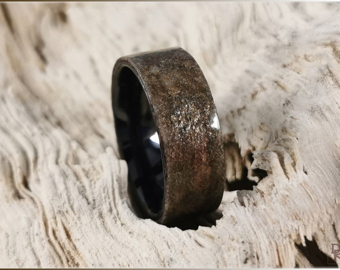 Artisan Ring - Genuine 'Autumn Sky' Slate on polished black ceramic ring core