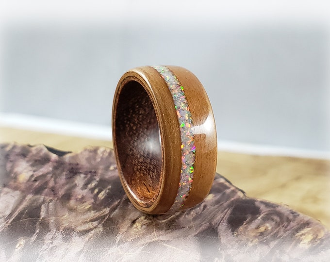 Bentwood Ring - Pear Wood w/offset Sun and Ice opal inlay on Rosewood ring core
