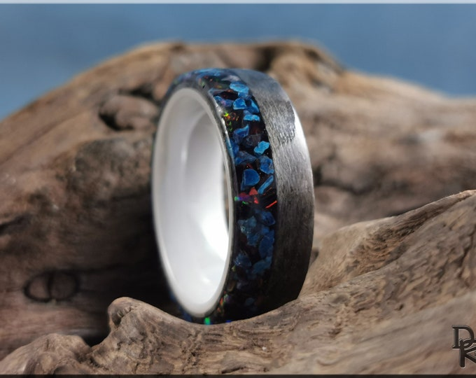 Bentwood Ring - Graphite Grey Birdseye Maple w\Live Edge Shattuckite and Opal inlay, on polished white ceramic ring core - Wood Ring