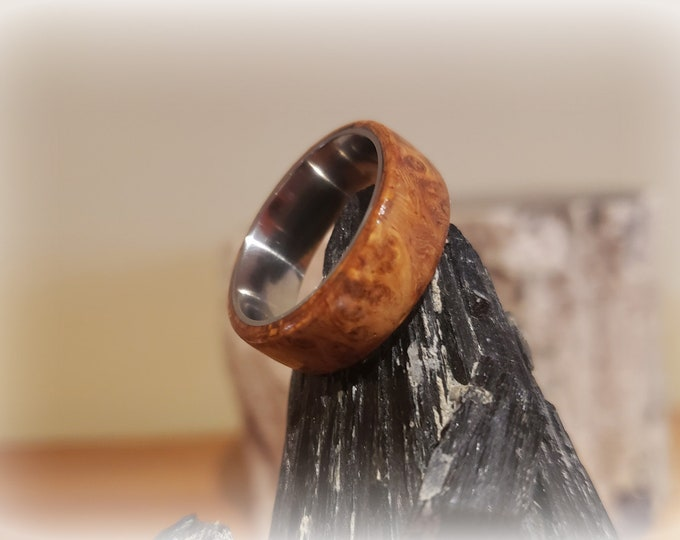 Bentwood Ring - Amboyna Burl - Size 8.5, 8mm on titanium ring core