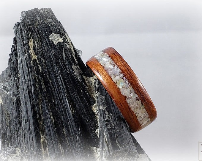 Bentwood Ring - Pao Rosa w/Mother of Pearl inlay - titanium ring core.