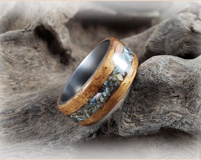 Bentwood Ring - Golden Hawaiian Koa w/Pāua (Abalone) Shell inlay, on titanium ring core