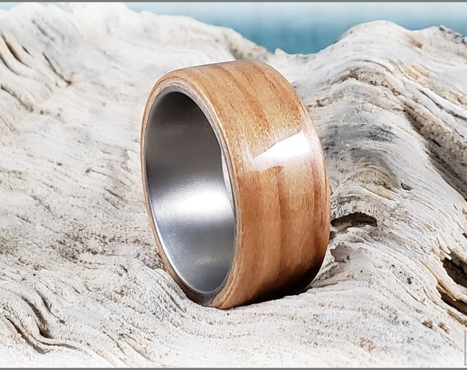 Bentwood Ring - European Larch on titanium ring core - Wood Ring