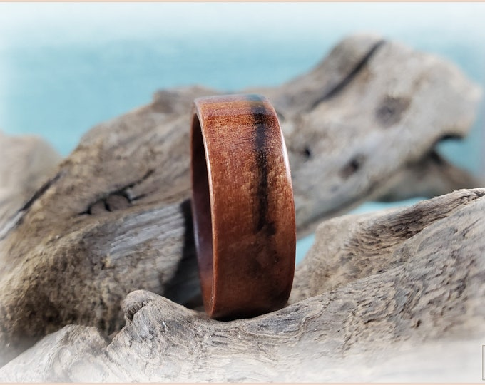 Bentwood Ring - Tineo on Ironwood core - Wood Ring