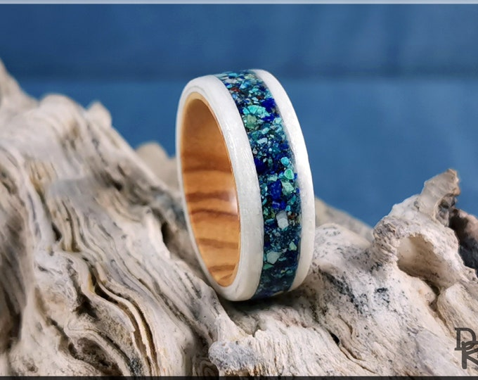 Bentwood Ring - Snow White Sycamore w/Azurite stone inlay, on Olivewood ring core