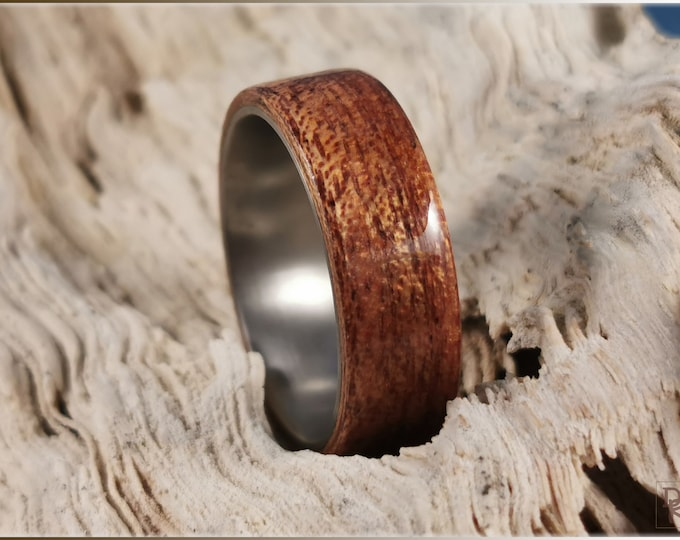 Bentwood Ring - Figured Mahogany on titanium ring core