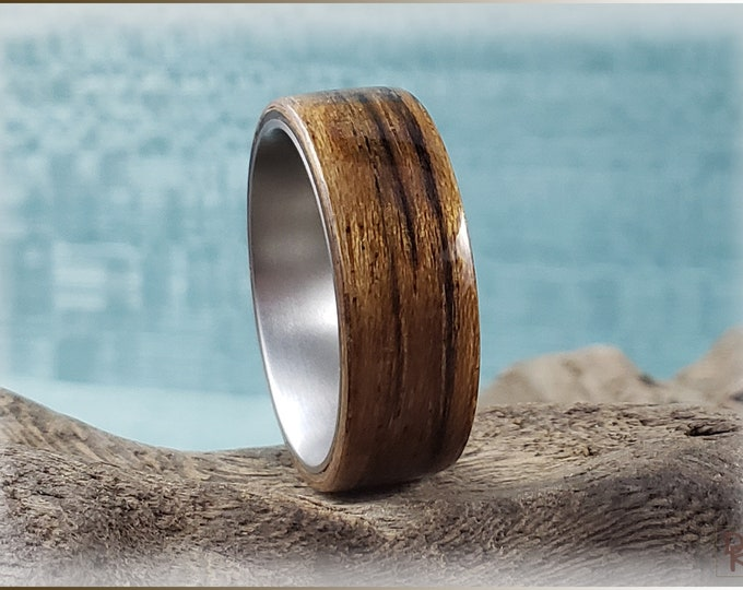 Bentwood Ring - Mozambique on titanium ring core