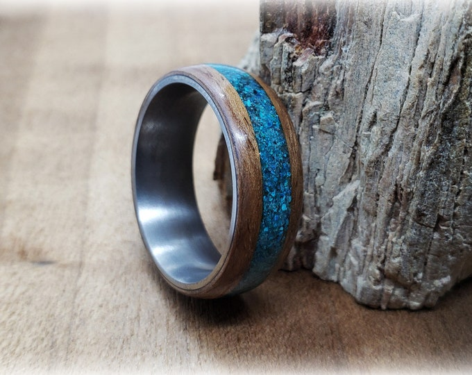 Bentwood Ring - Curly Walnut w/Chrysocolla inlay, titanium ring core.