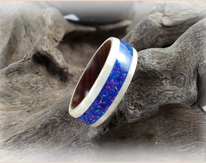 Bentwood Ring - Fiddleback Sycamore w/Starry Night Opal inlay, on Ironwood ring core