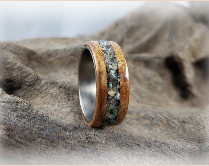 Bentwood Ring - Golden Hawaiian Koa w/Pāua (Abalone) Shell inlay, on titanium ring core