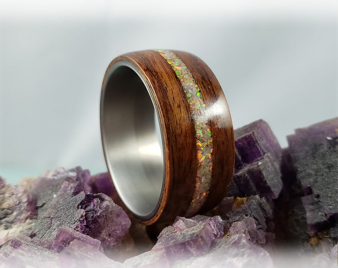 Bentwood Ring - Santos Rosewood w/Sun and Ice opal inlay on titanium ring core