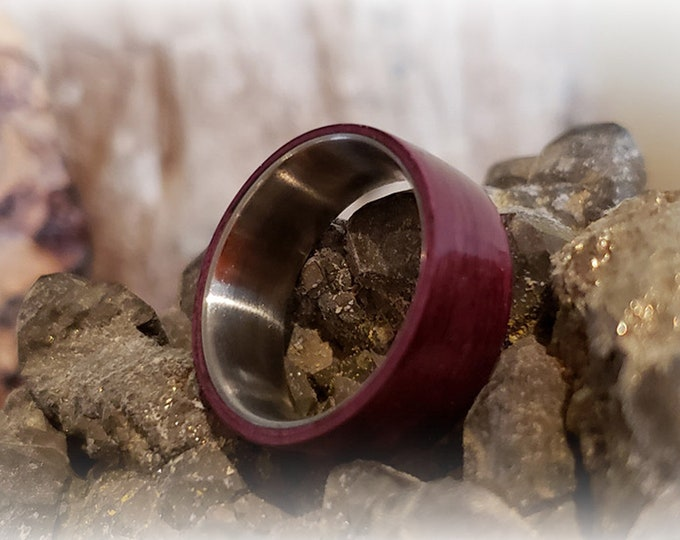 Bentwood Ring - Purpleheart - titanium ring core.