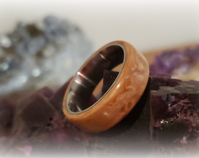 Bentwood Ring - Birdseye Maple - titanium ring core.