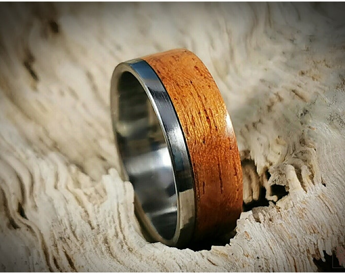 Bentwood Ring - Figured Etimoe on One Edge Stainless Steel ring core