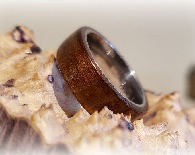Bentwood Ring - Fumed Aspen (Grissard) - titanium ring core.