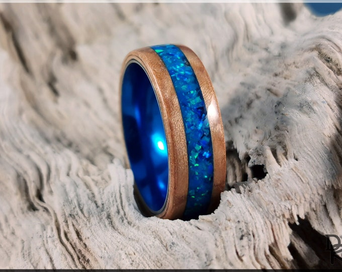 Bentwood Ring - Maple Pomelle w/Pacific Blue Opal Glow inlay, on Cobalt Flash anodized ring core
