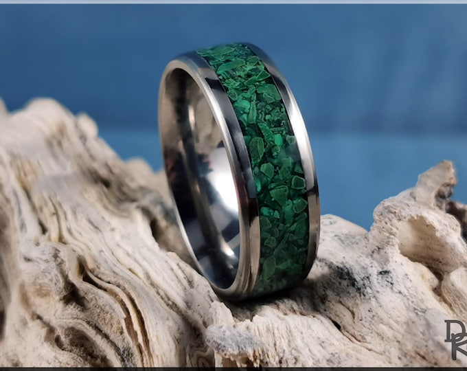 Titanium Channel Ring w/Green Malachite Stone inlay