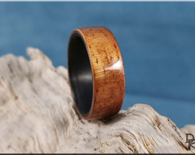Bentwood Ring - Golden Hawaiian Koa on Carbon Fiber ring core - Wood Ring
