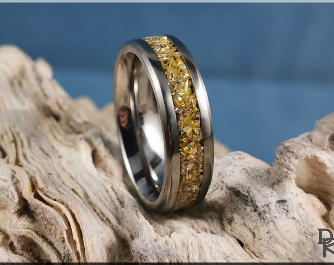 Titanium Channel Ring w/Crushed Gold Glass inlay