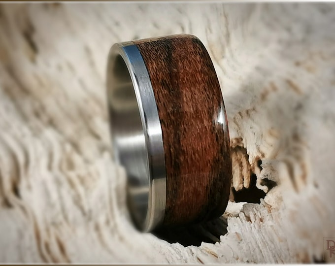 Bentwood Ring - Louro Preto on One Edge Stainless Steel ring core