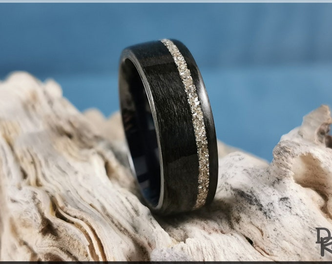 Bentwood Ring - Graphite Grey Maple w/offset Silver Glass inlay, on Polished Black Ceramic ring core