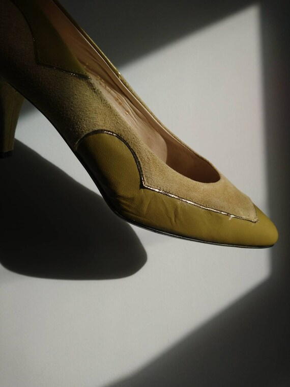 Pistachio pumps