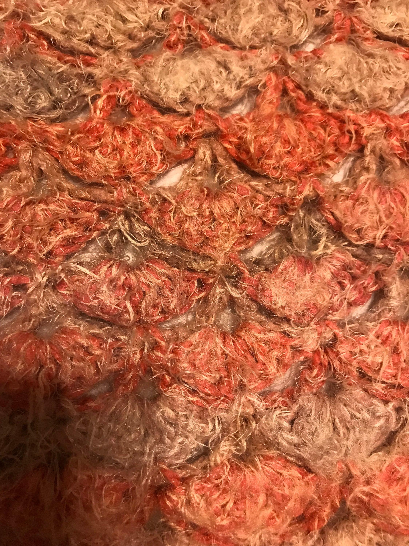 Furry corail et couverture de Fan Tan Square