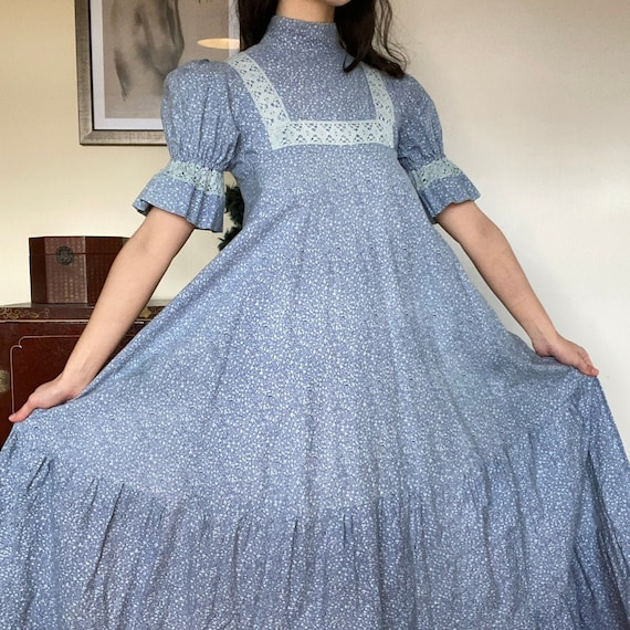 vintage 1970s LAURA ASHLEY dress