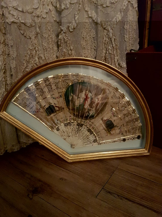 Stunning and very old silk fan from the 1860's. An