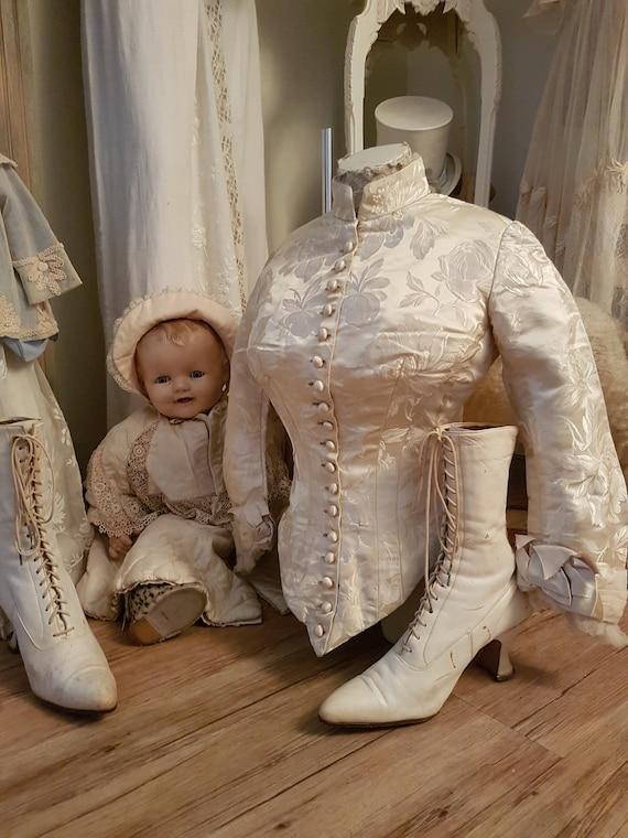 Delightful little old Jacket.. Antique dress, anti